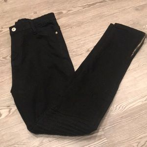Pants - Black skinny pants